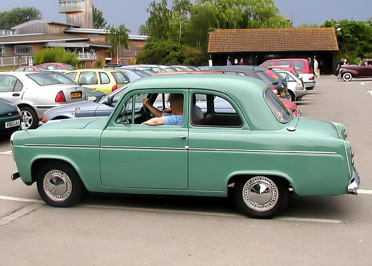 Ford Anglia 1963 foto - 2