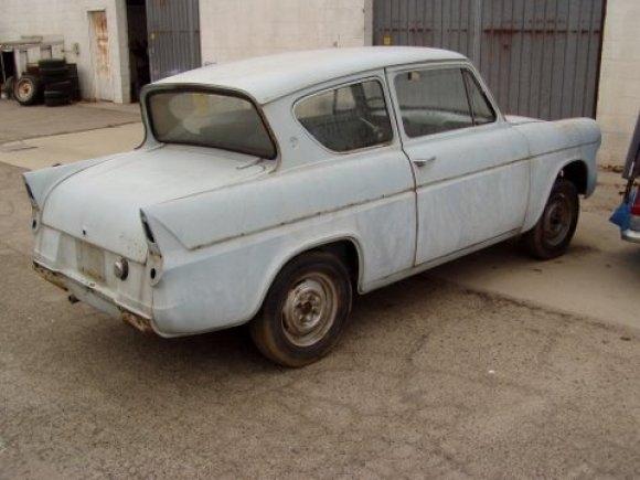 Ford Anglia 1963 foto - 4