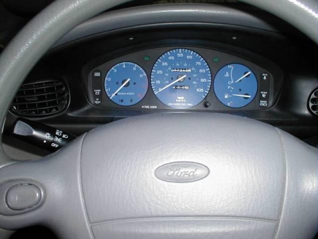Ford Aspire 1995 foto - 1