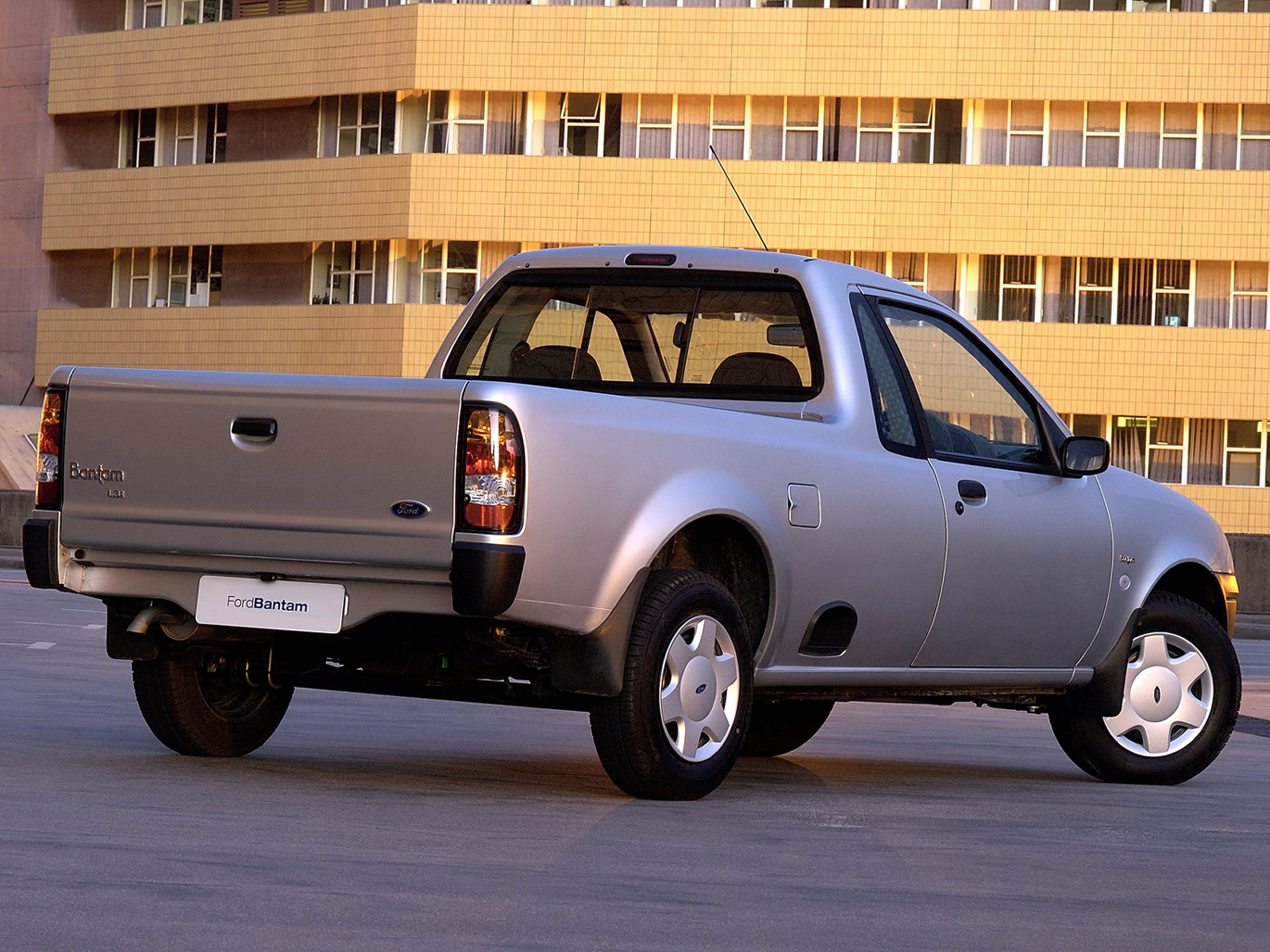 Ford Bantam 2006 foto - 2