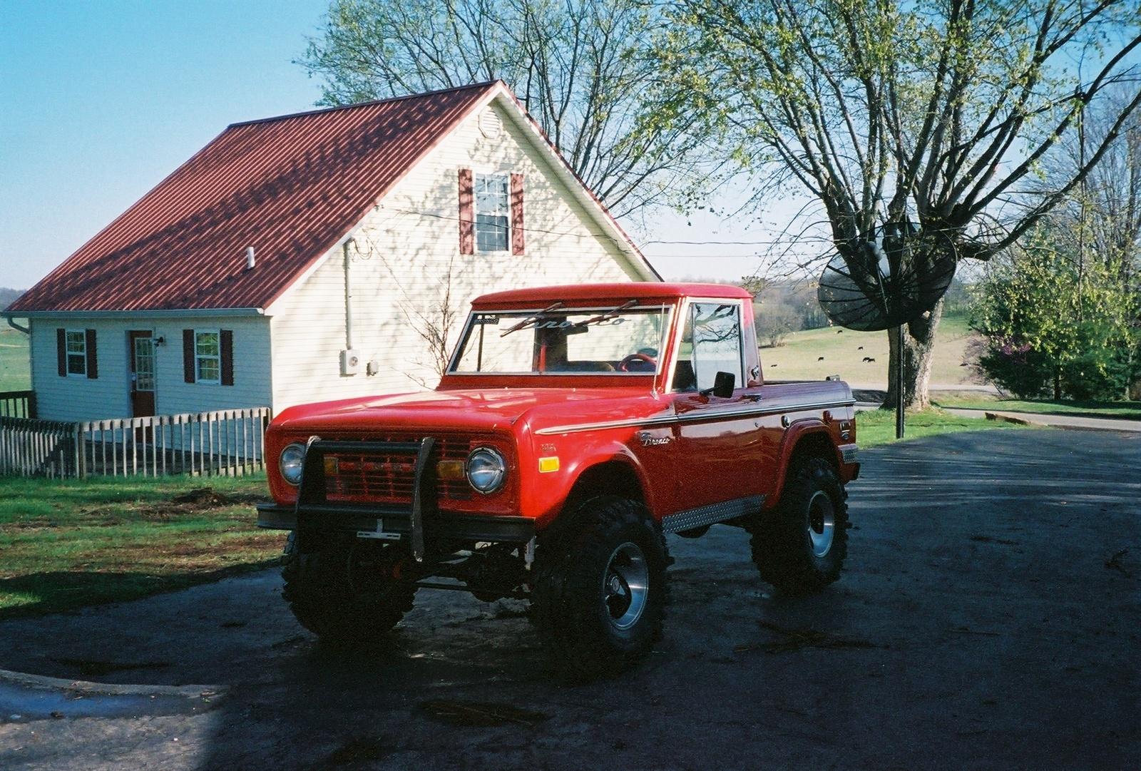 Ford Bronco 1971 foto - 1