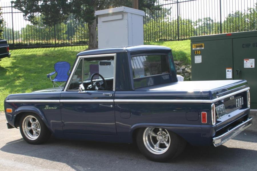 Ford Bronco 1976 foto - 2