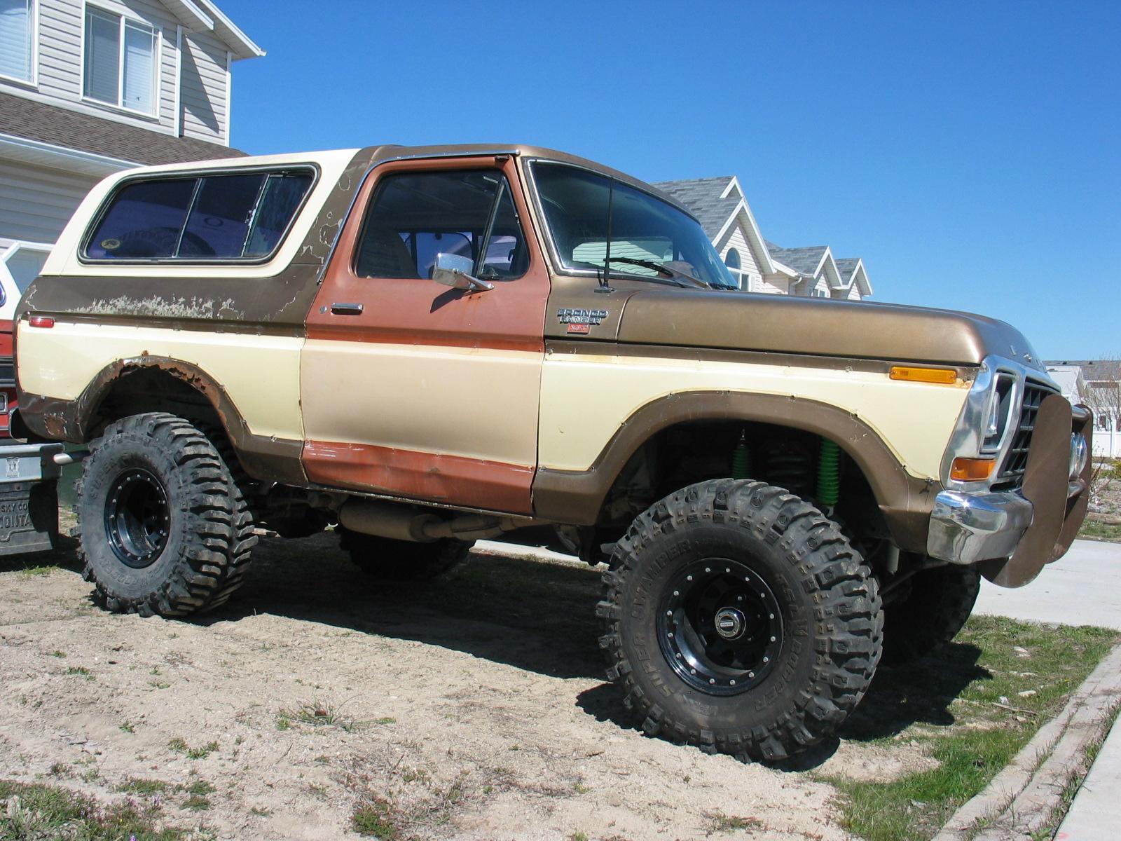 Ford Bronco 1979 foto - 1