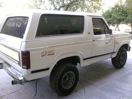 Ford Bronco 1983 foto - 4