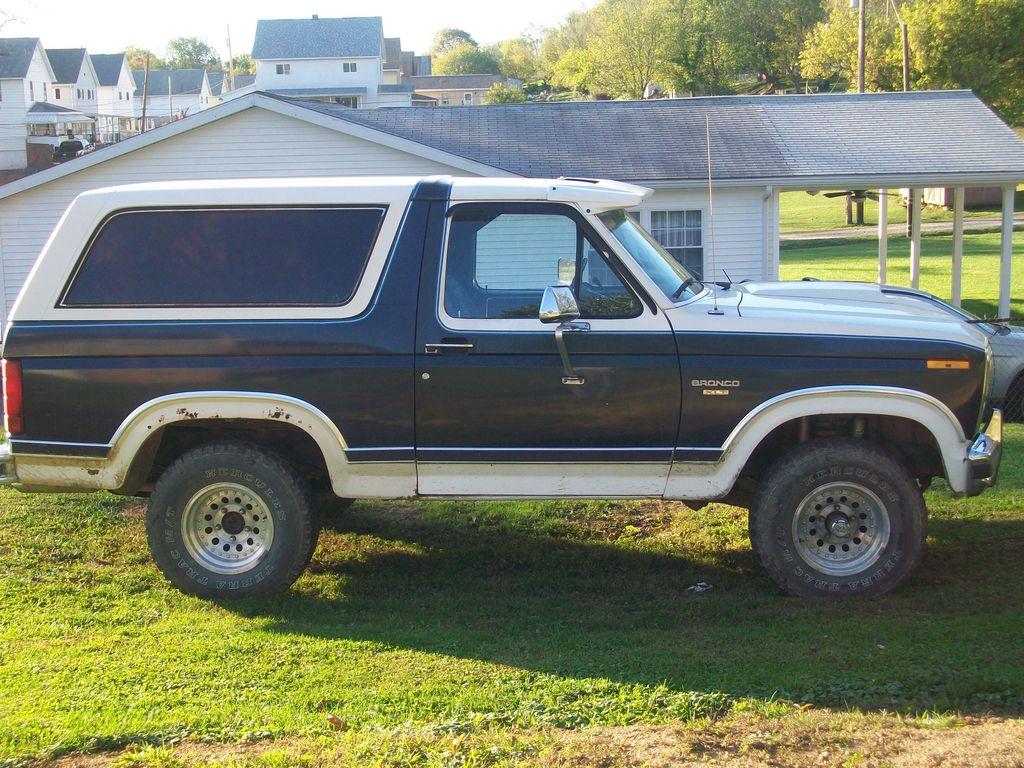Ford Bronco 1984 foto - 3