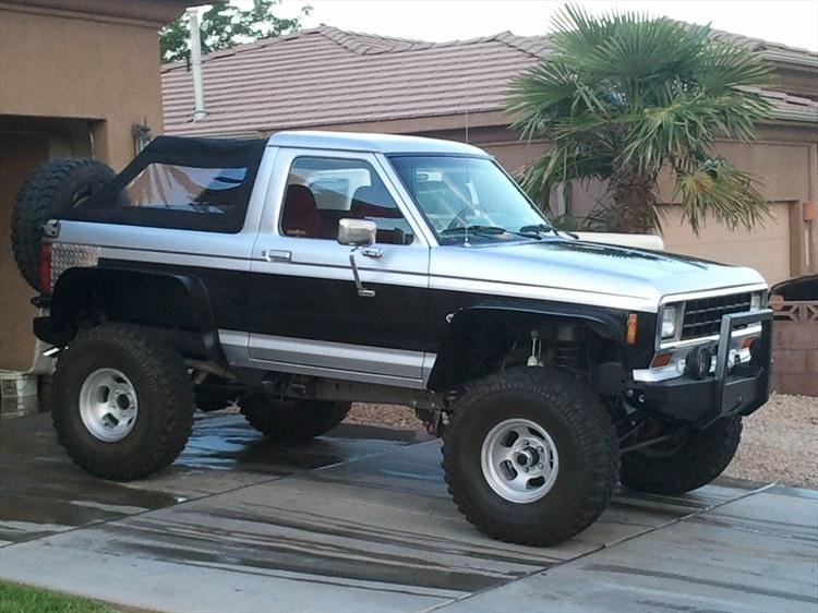 Ford Bronco 1984 foto - 5