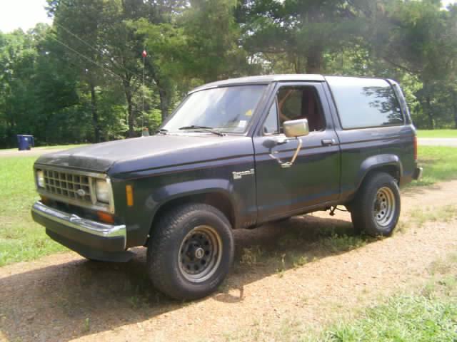 Ford Bronco 1987 foto - 1