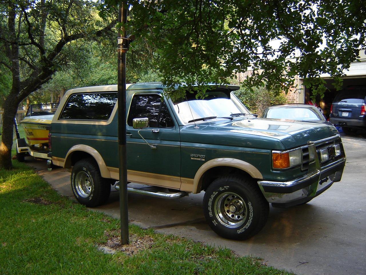 Ford Bronco 1989 foto - 1