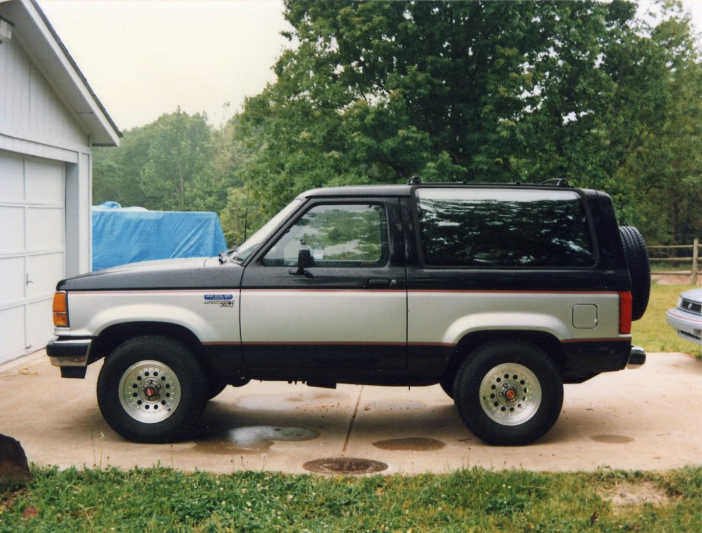 Ford Bronco 1989 foto - 4