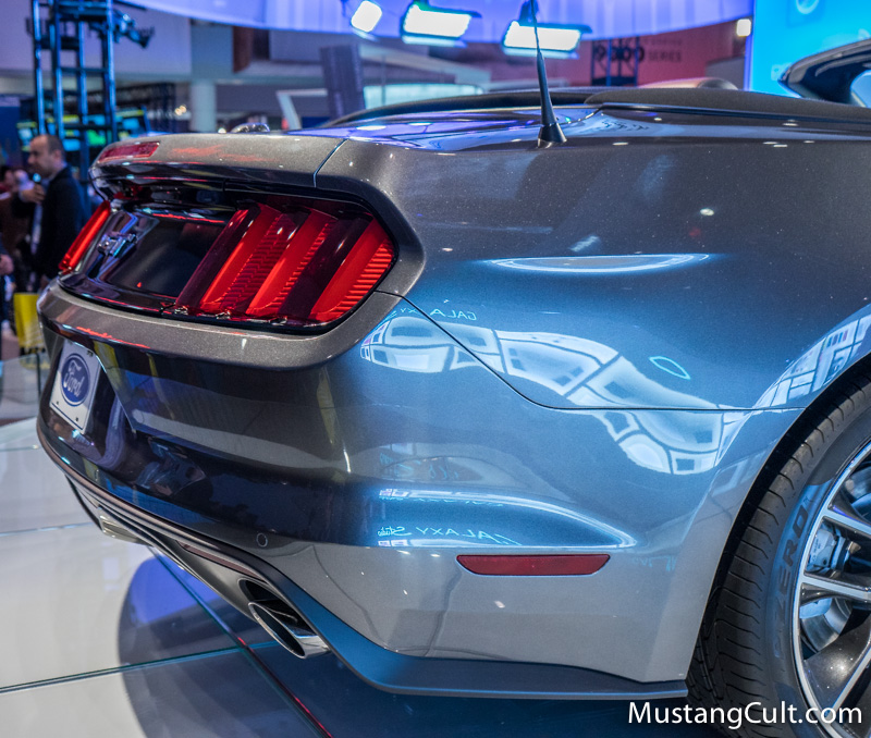 Ford Convertible 2015 foto - 3