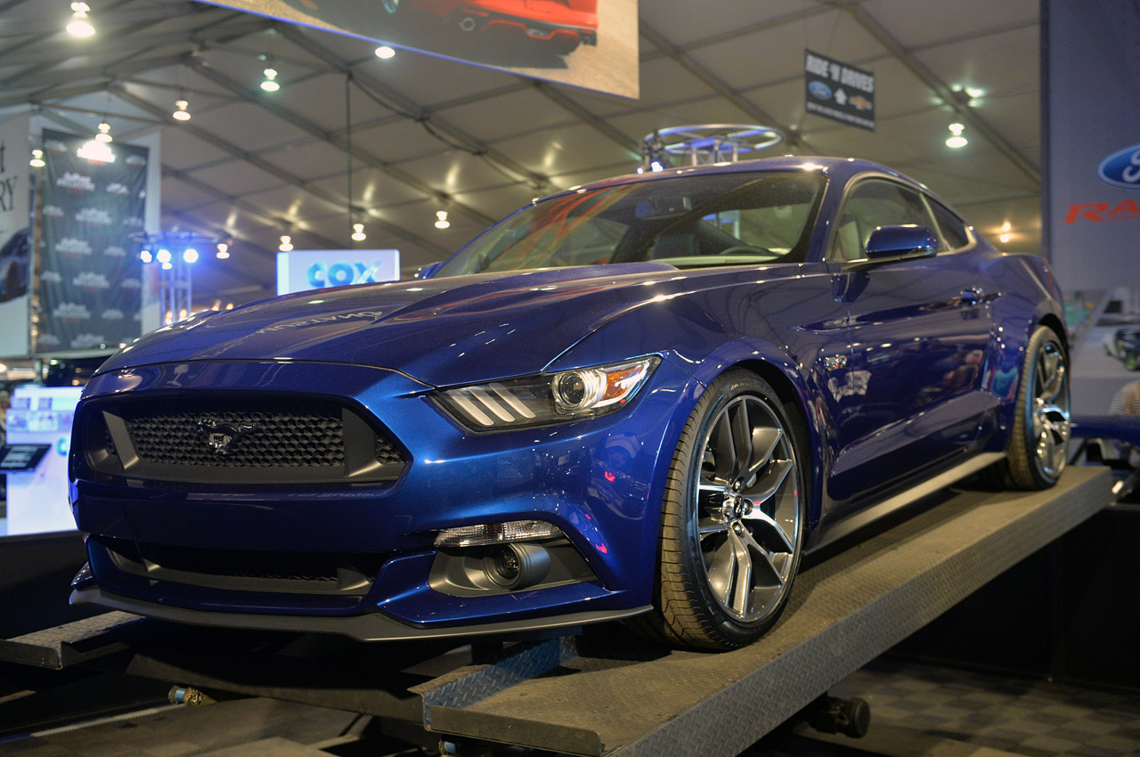 Ford Convertible 2015 foto - 4
