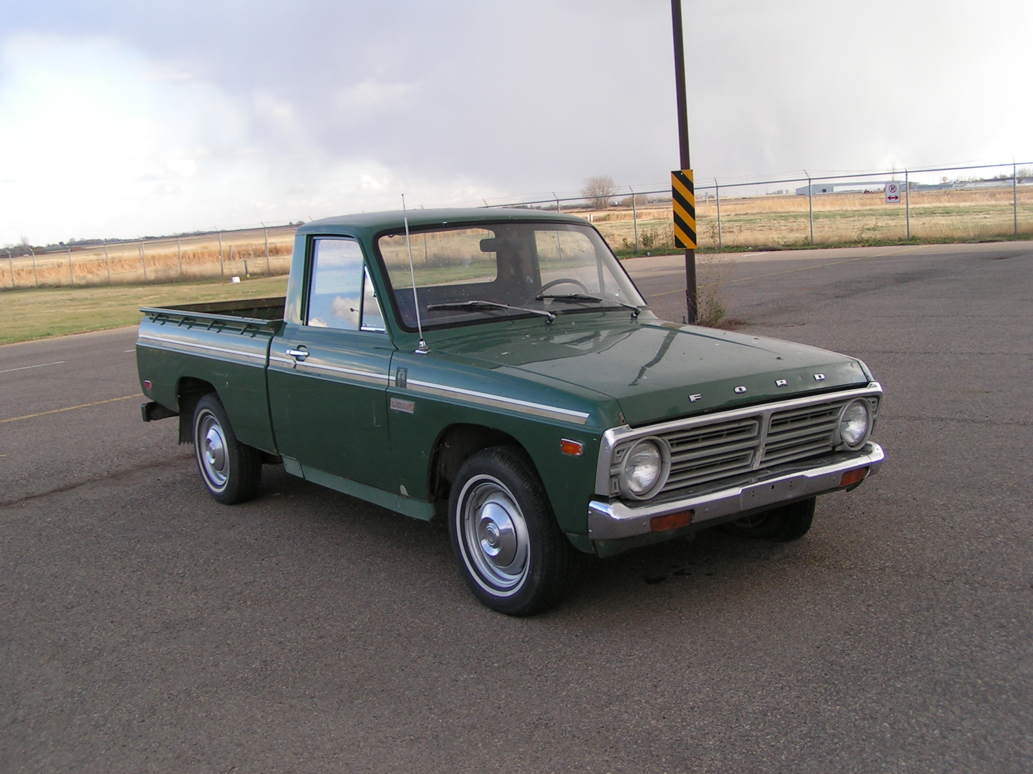 Ford Courier 1990 foto - 1