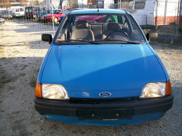 Ford Courier 1990 foto - 4