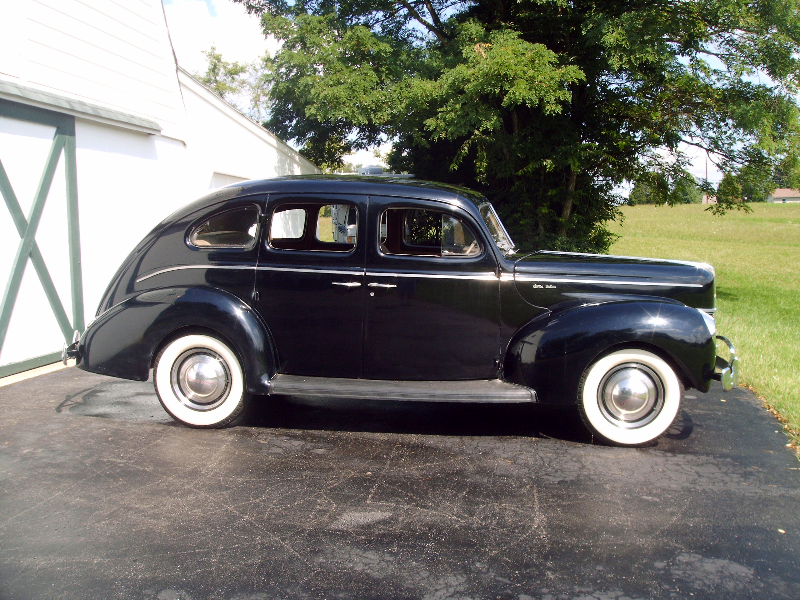 Ford Deluxe 1940 foto - 4