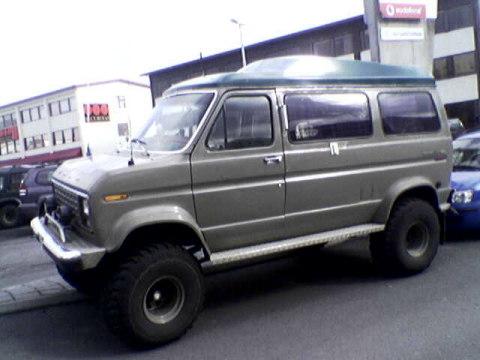 Ford Econoline 1975 foto - 1