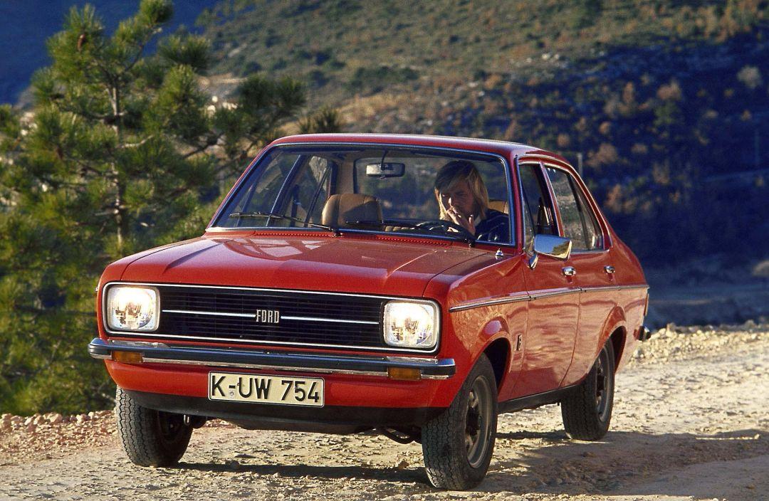 Ford Escort 1975 foto - 1