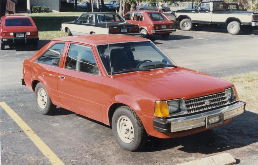 Ford Escort 1984 foto - 1