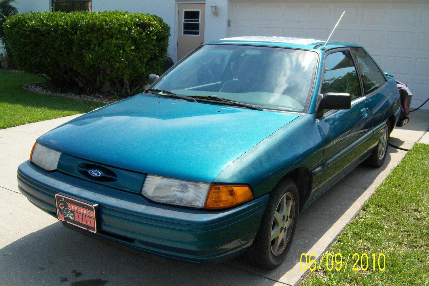 Ford Escort 1996 foto - 2