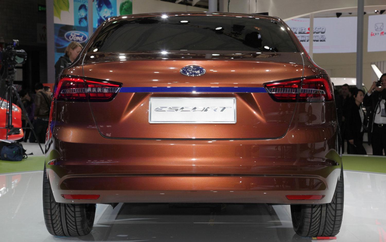 Ford Escort 2015 foto - 2