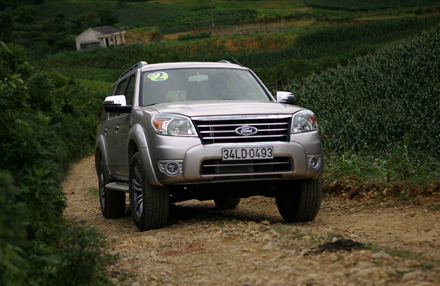 Ford Everest 2010 foto - 1