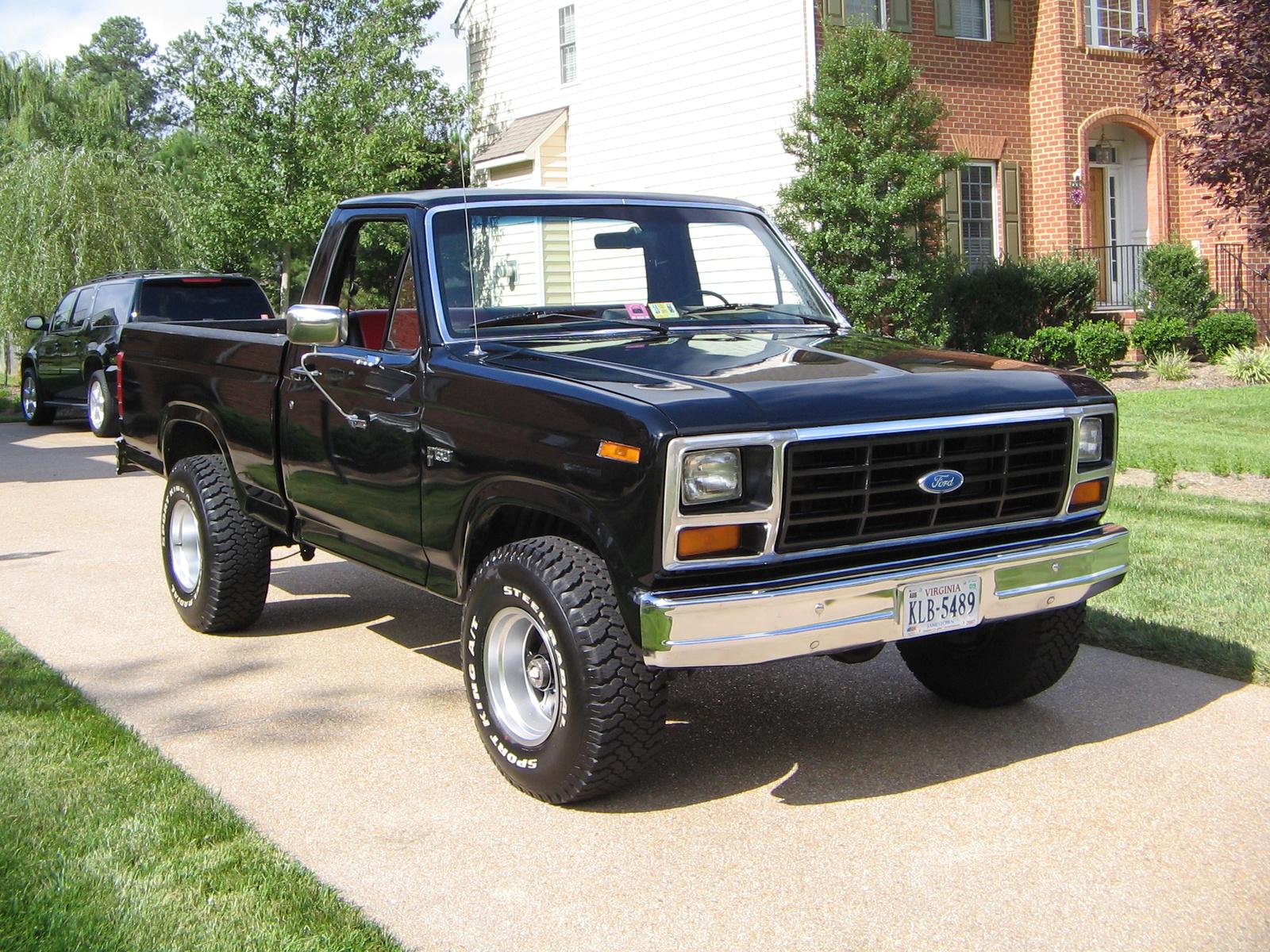 Ford F-150 1983 foto - 4