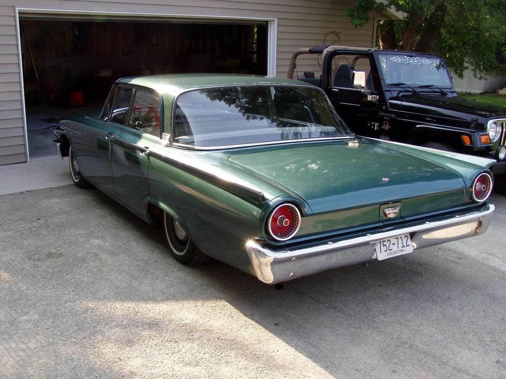 Ford Fairlane 1961 foto - 2