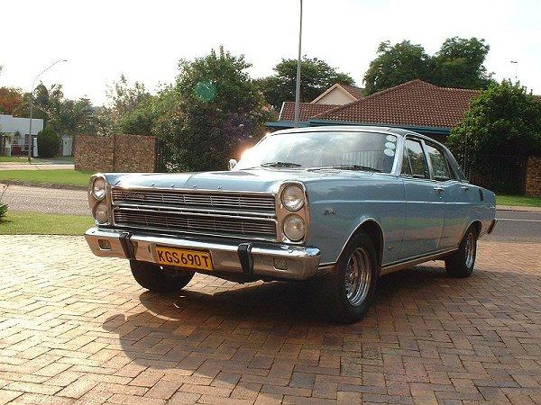 Ford Fairlane 1975 foto - 1