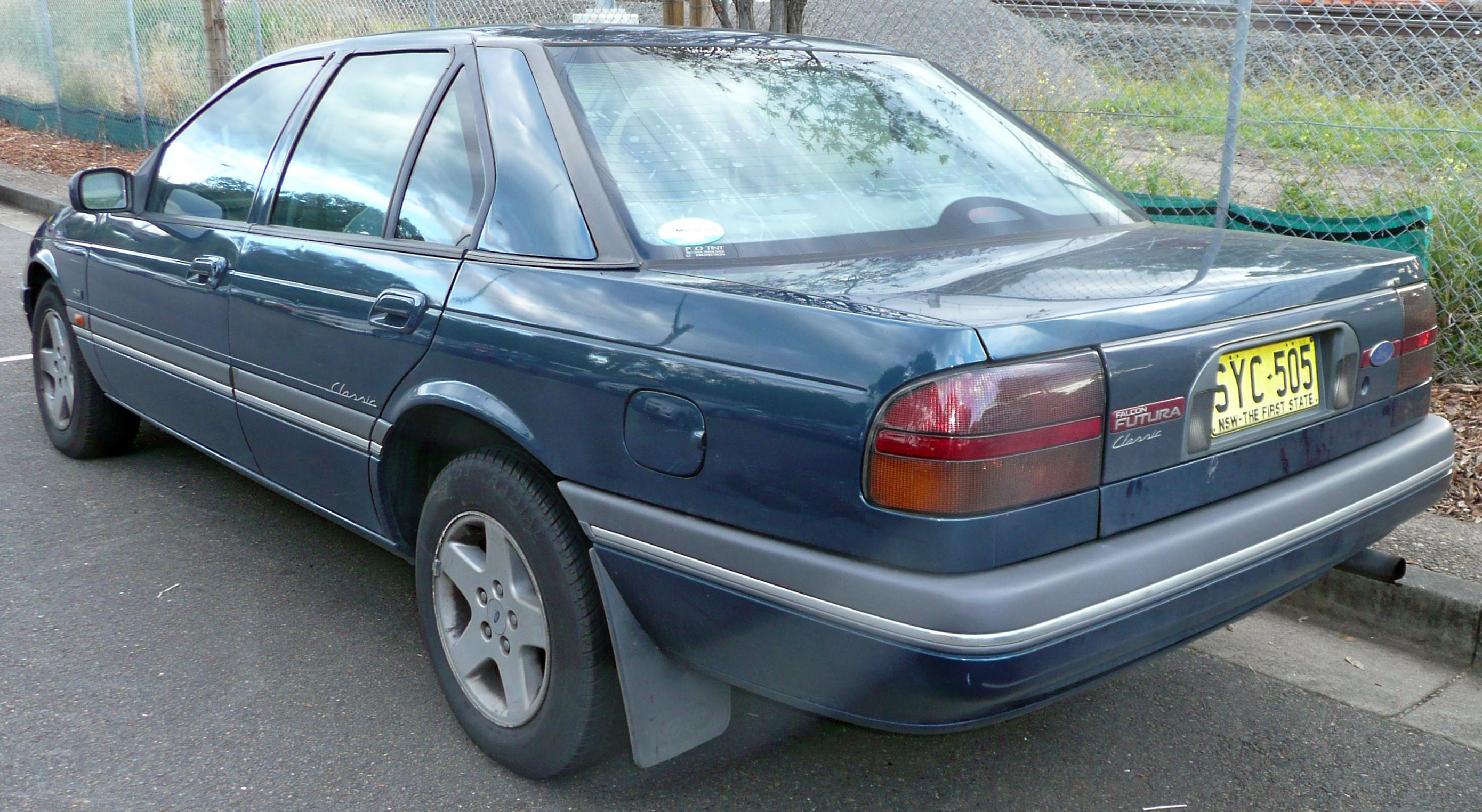 Ford Falcon 1993 foto - 1