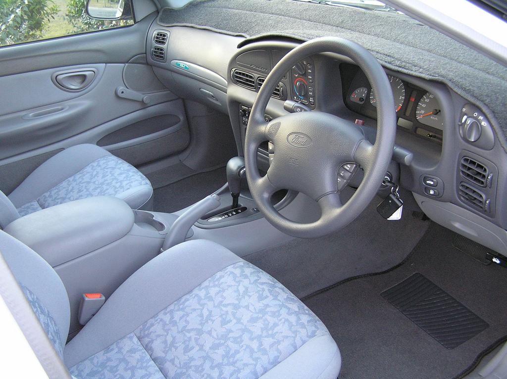 Ford Falcon 1998 foto - 1