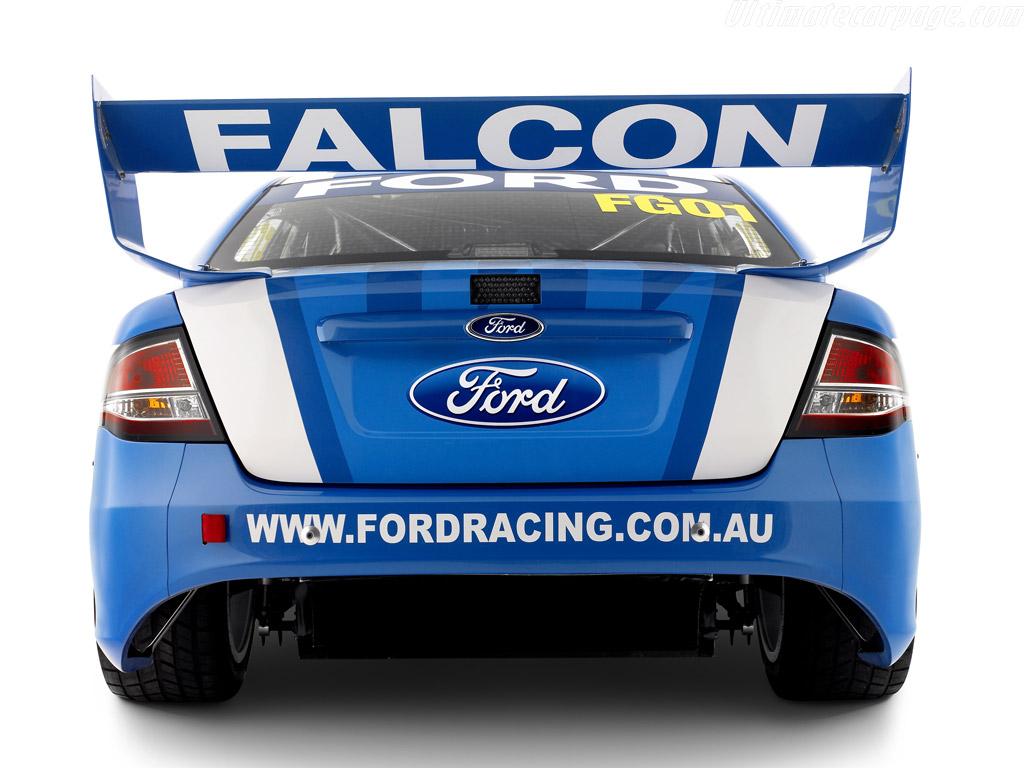 Ford Falcon 2011 foto - 3