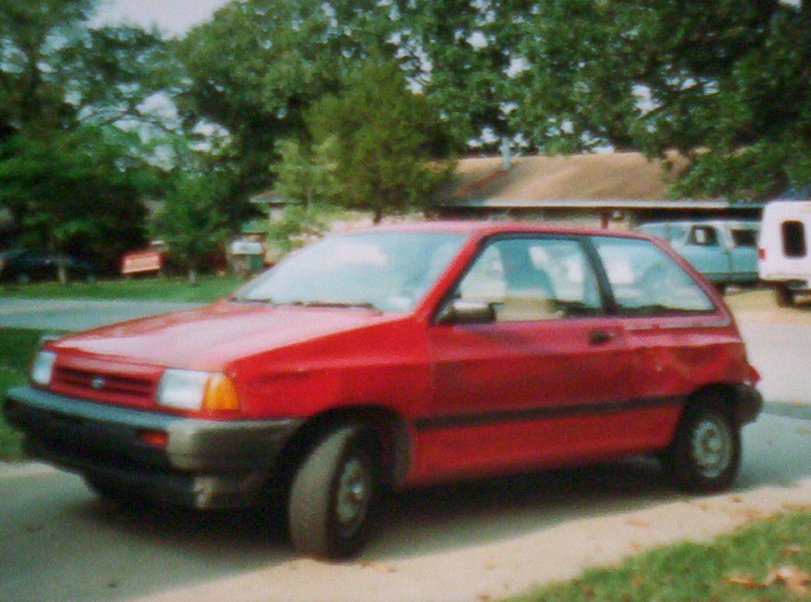 Ford Festiva 1989 foto - 1