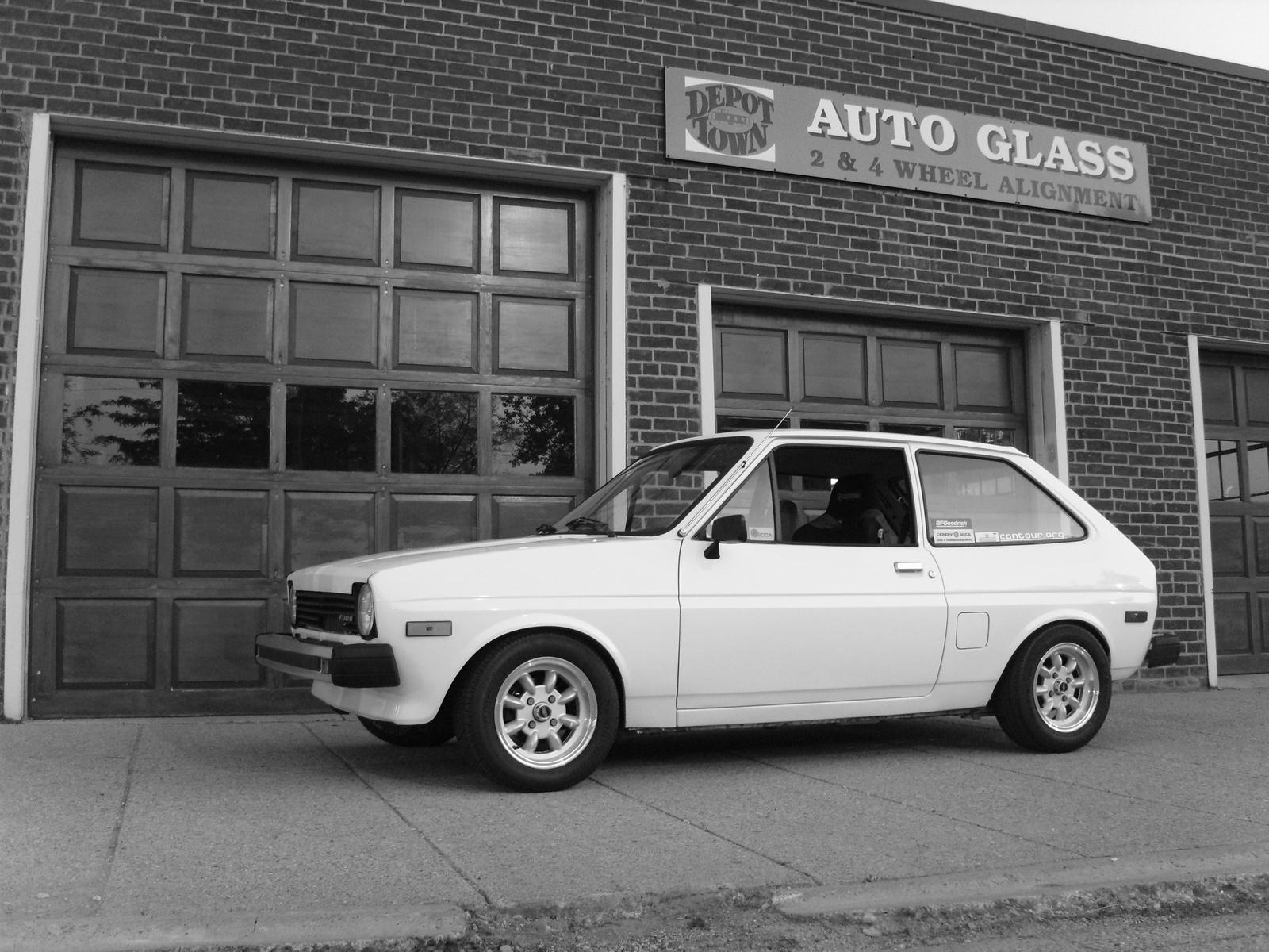 Ford Fiesta 1977 foto - 1