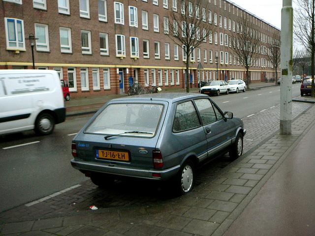 Ford Fiesta 1988 foto - 3