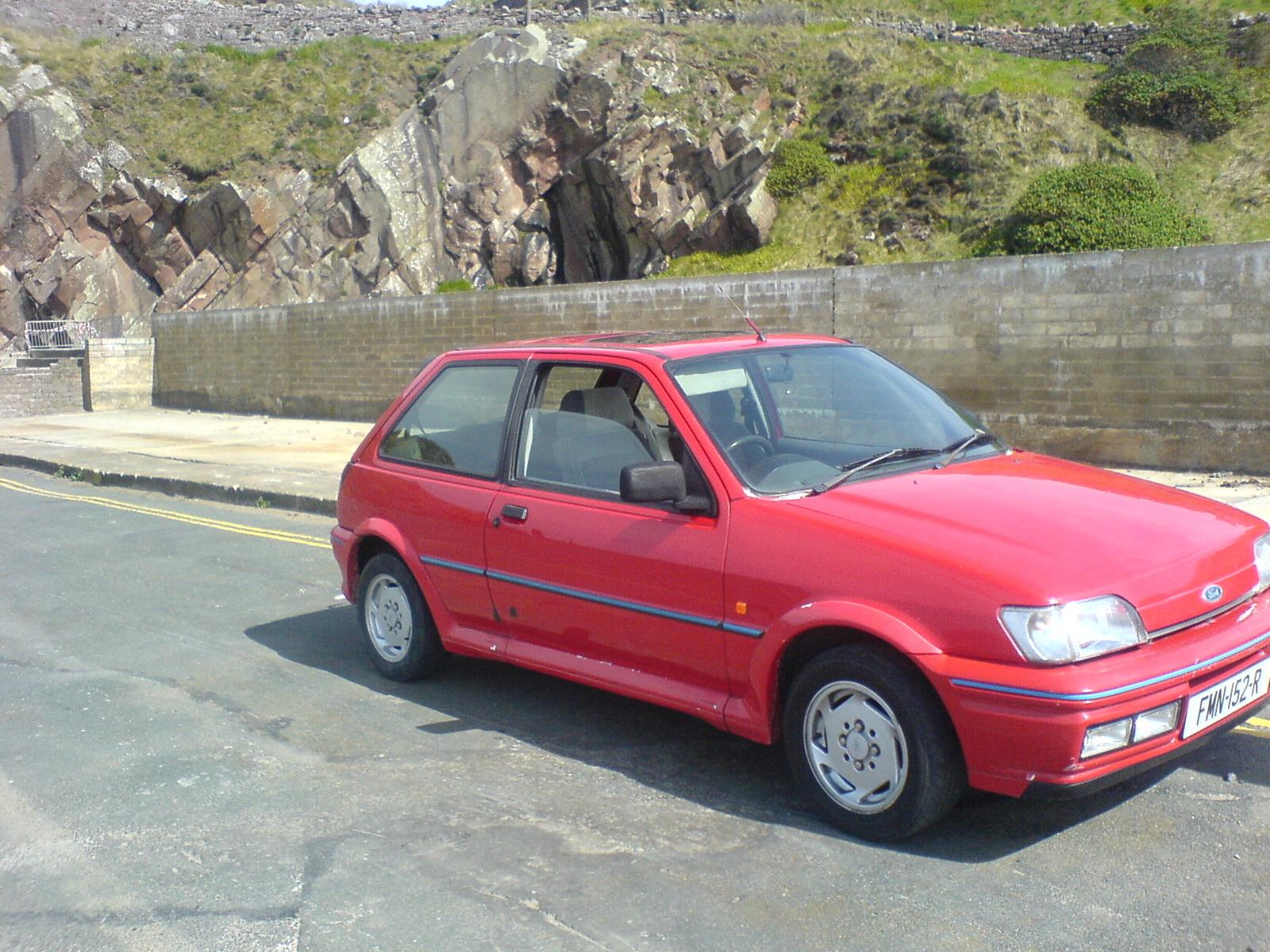 Ford Fiesta 1989 foto - 1