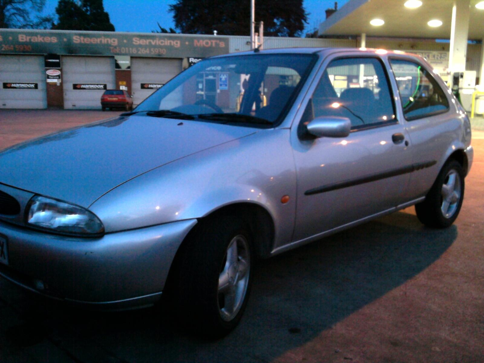Ford Fiesta 1996 foto - 2