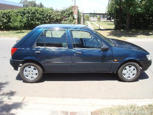 Ford Fiesta 1996 foto - 3