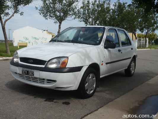 Ford Fiesta 2000 foto - 2