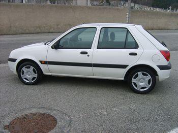 Ford Fiesta 2000 foto - 3