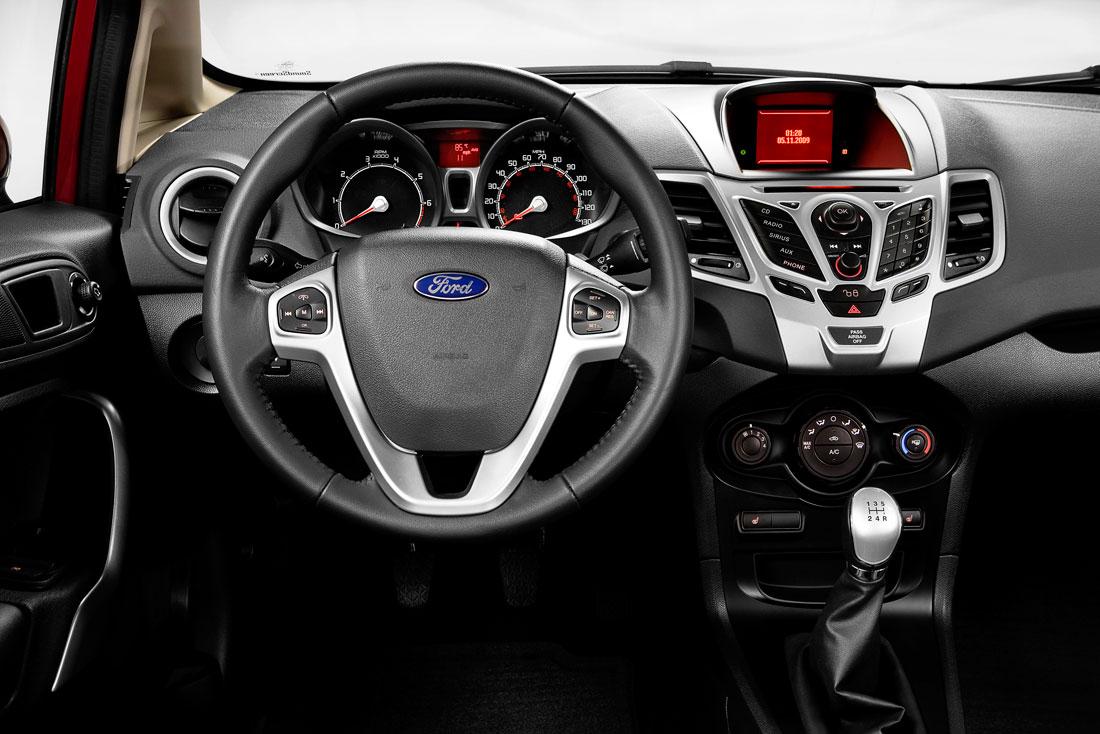 Ford Fiesta 2011 foto - 1