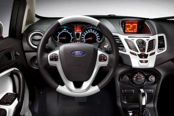 Ford Fiesta 2012 foto - 5
