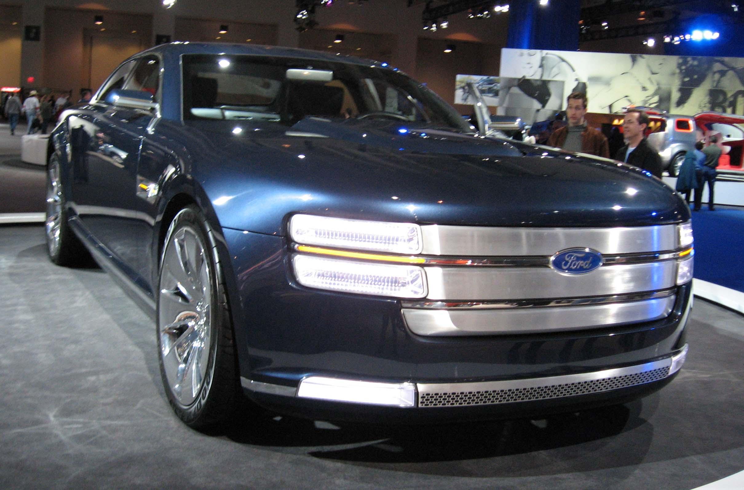Ford Five-Hundred 2015 foto - 1