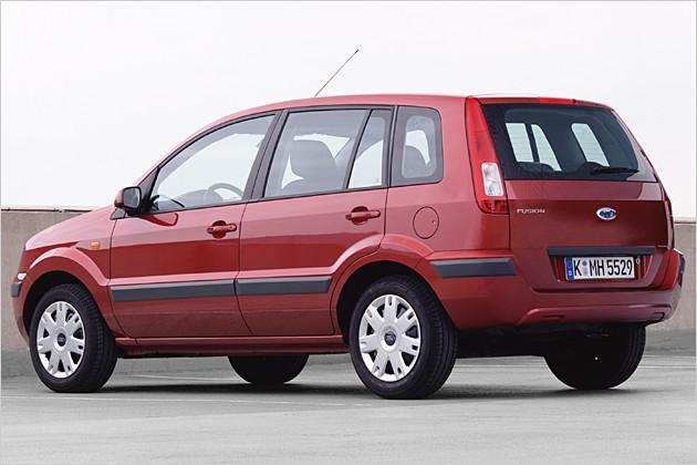 Ford Fusion 2004 foto - 1