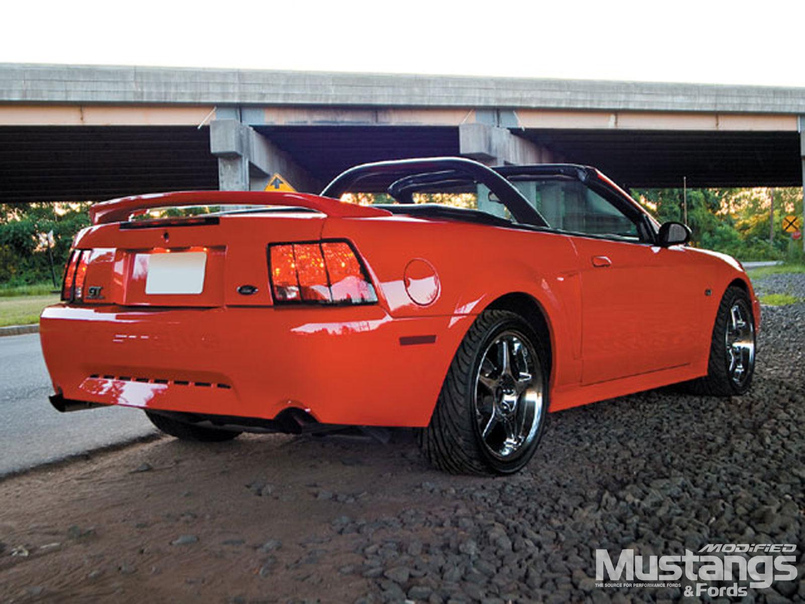 Ford GT 2000 foto - 3