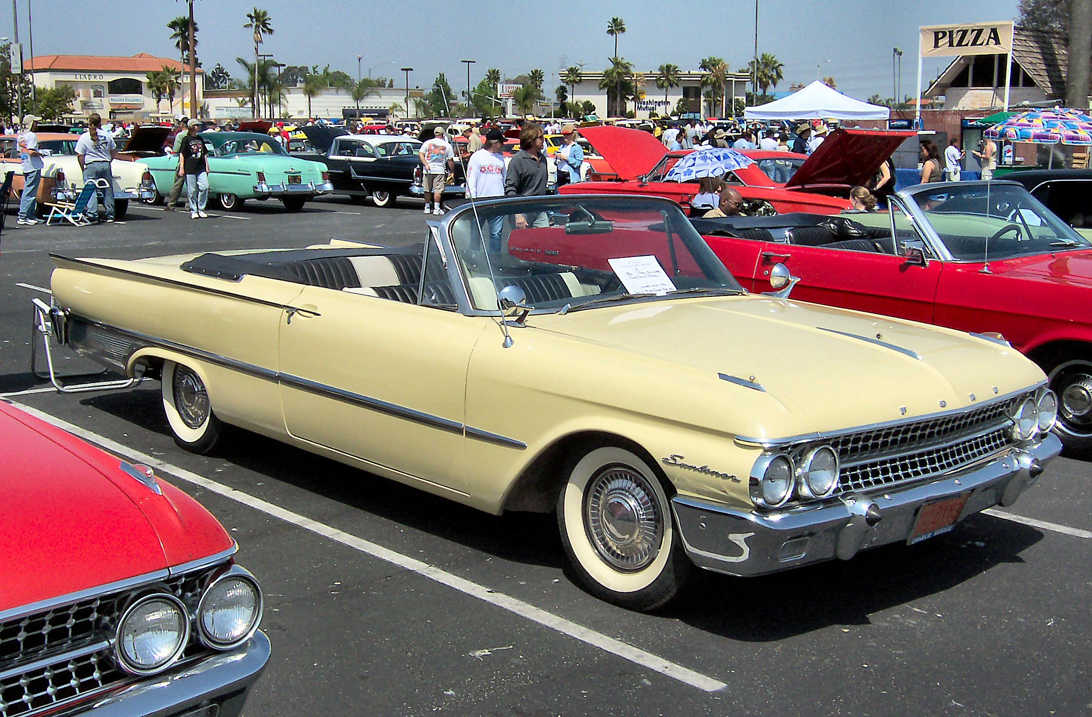 Ford Galaxie 1961 foto - 1