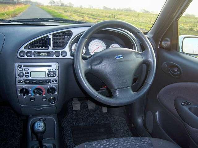 Ford Ghia 2001 foto - 4
