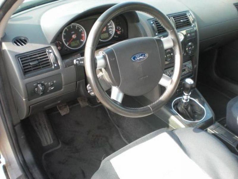 Ford Ghia 2002 foto - 5