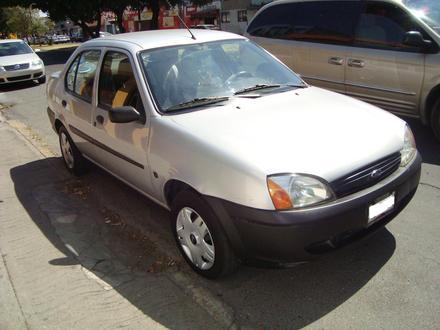 Ford Ikon 2002 foto - 4