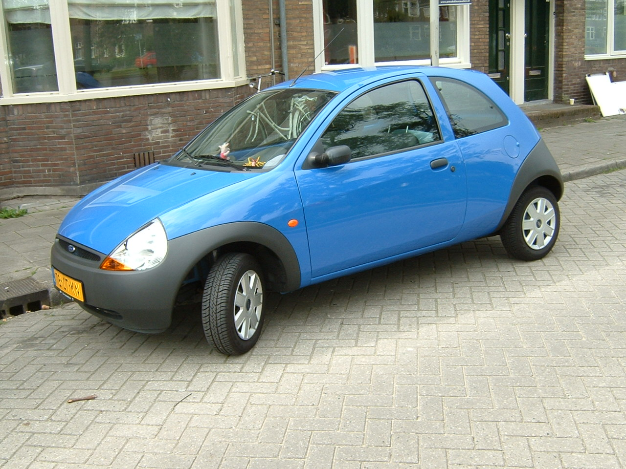 Ford KA 2005 foto - 1