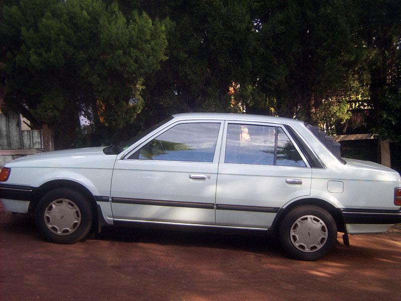 Ford Laser 1990 foto - 2