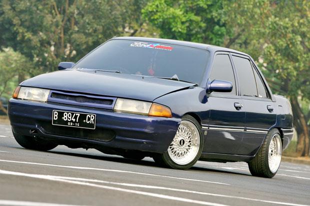 Ford Laser 1990 foto - 4
